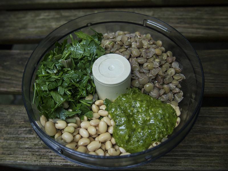 Zielona pasta z soczewicy (zielony hummus)