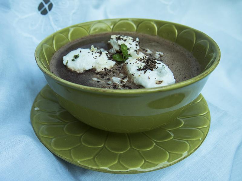 Kuchnia gdańska: zupa czekoladowa z mlekiem